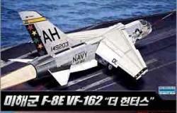 """F-8E VF-162 """"the Hunters"""" 1/72"""