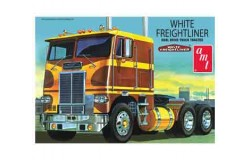 WHITE FREIGHTLINER DUAL DRIVE CABOVER TRACTOR 1/25 (inkl.engine)